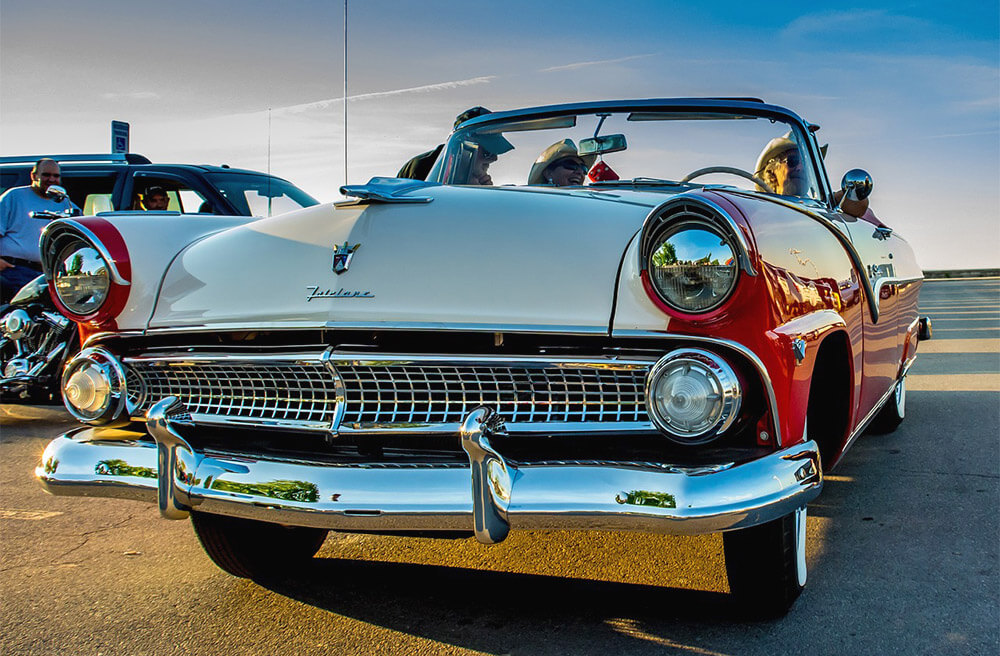 Ford Fairlane - Free Jigsaw Puzzles Online